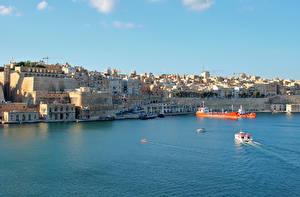 Картинки Мальта Здания Пристань Корабли Залив Valetta Города