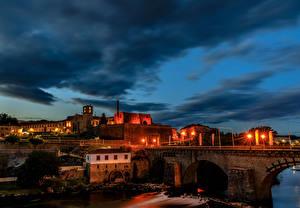 Обои Португалия Здания Мосты Ночь Уличные фонари Barcelos