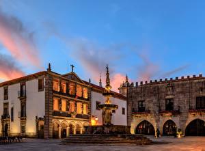 Фотография Португалия Здания Фонтаны Вечер Уличные фонари Viana