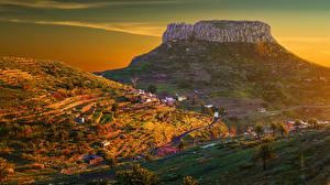 Обои Испания Дома Дороги Рассвет и закат Поля Канары Скалы Холмов Vallehermoso Природа