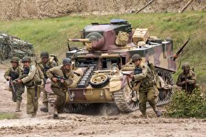 Обои Танки Солдаты Американские M3 Stuart