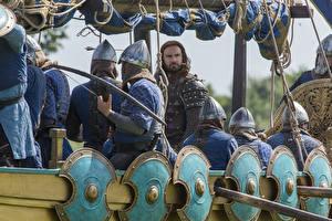 Фотографии Викинги (телесериал) Воины Щит Clive Standen, Rollo