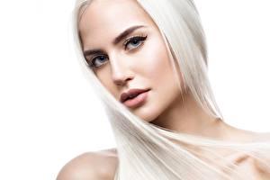 Фото Красивые Лицо Блондинка Волосы Белый фон Смотрит Девушки