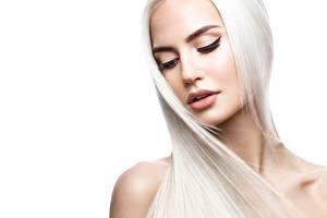 Фотографии Блондинка Волосы Лицо Белый фон Красивые Девушки