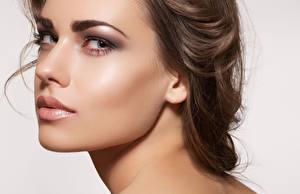 Фотография Вблизи Взгляд Лицо Макияж Красивые Нос Девушки