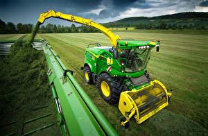 Картинка Поля Сельскохозяйственная техника Зеленый 2015-17 John Deere 8400i