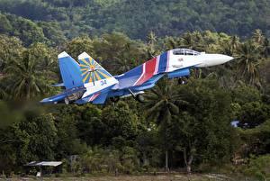 Обои Самолеты Истребители Взлетают Российские Sukhoi Su-30SM Авиация