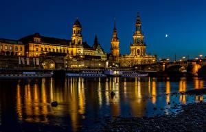 Обои Германия Дрезден Здания Речка Мосты Речные суда Ночные Города