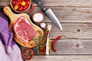 Картинки Мясные продукты Нож Специи Доски Разделочной доске Бутылка