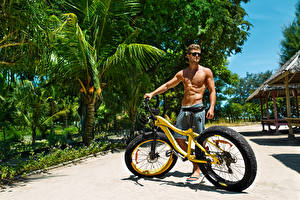 Обои Мужчины Велосипед Очки