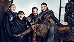 Обои Мужчины Игра престолов (телесериал) Кит Харингтон Улыбка season 7, Jon Snow, Arya Stark, Bran Stark, Sansa Stark Знаменитости Девушки