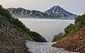Обои Россия Камчатка Горы Реки Туман Природа