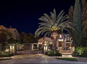 Фотографии США Дома Особняк Ворота Пальмы Уличные фонари Ночь San Clemente Города