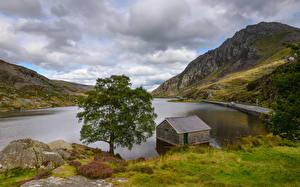 Фото Великобритания Парки Озеро Небо Холмы Деревья Облака Ogwen Valley Snowdonia National Park
