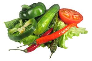 Фотографии Овощи Огурцы Перец Томаты Белый фон Пища