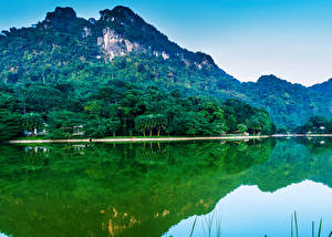 Обои Вьетнам Горы Озеро Леса Природа