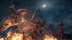 Фото Воины Лошади Сражения Пламя Assassin's Creed Origins Ночные Копья Мечи Игры 3D_Графика