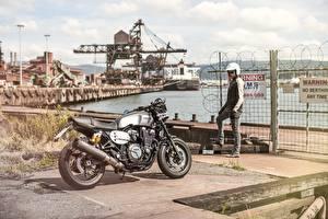 Фотография Yamaha Мотоциклист 2015-16 XJR1300 мотоцикл