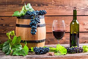 Фотографии Бочка Вино Виноград Доски Листья Бутылка Бокалы