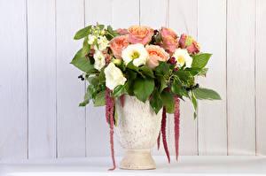 Обои Букеты Розы Лизантус Доски Ваза