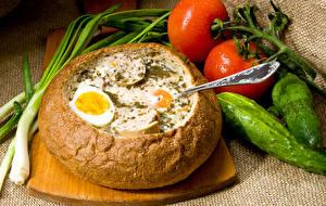Обои Хлеб Томаты Огурцы Яйца Разделочная доска Пища