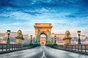 Картинки Мост Дороги Будапешт Венгрия Арка Уличные фонари Chain Bridge город
