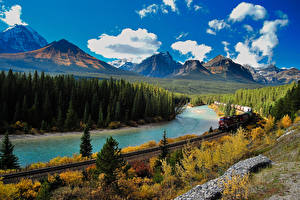 Фотография Канада Парки Речка Леса Поезда Осенние Железные дороги Пейзаж Горы Банф Природа