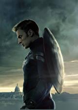 Фото Первый мститель: Другая война Капитан Америка герой Герои комиксов Крис Эванс Мужчины Щит Кино Знаменитости