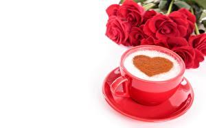 Фотография Кофе Капучино День святого Валентина Чашка Блюдце Белый фон Сердечко Еда
