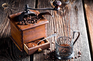 Картинки Кофе Кофемолка Доски Стакан Зерна Еда