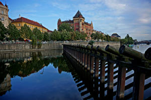 Картинка Чехия Прага Здания Реки Забор Города