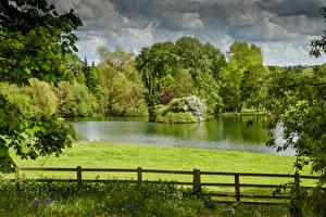 Картинки Англия Озеро Лето Забор Thenford