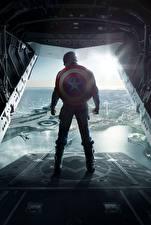 Фото Герои комиксов Капитан Америка герой Первый мститель: Другая война С щитом Сзади Steve Rogers Фильмы