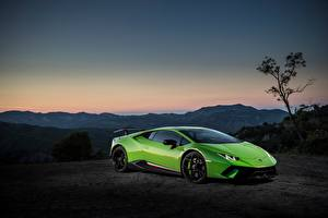 Обои Lamborghini Зеленый Huracan Performante