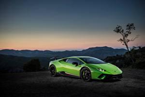 Обои Lamborghini Зеленая Huracan Performante Автомобили