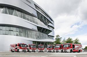 Фотографии Mercedes-Benz Пожарный автомобиль Много 2016 Antos 1843 Rosenbauer AT HLF 40 Автомобили