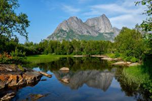 Обои Норвегия Горы Озеро Леса Strandatinden Природа