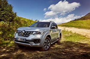 Обои Renault Серебристый 2017 Alaskan Worldwide Автомобили
