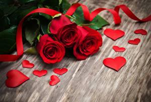 Фото Розы День всех влюблённых Сердечко Красный Ленточка Цветы