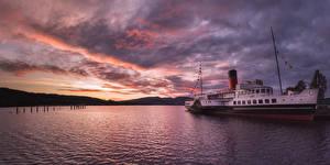 Картинка Шотландия Озеро Речные суда Рассветы и закаты Небо Loch Lomond Природа