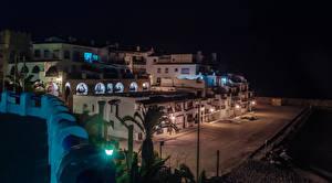 Картинка Испания Здания Ночные Уличные фонари Bara Catalonia