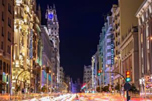 Фотографии Испания Мадрид Здания Дороги Улице Уличные фонари Ночь Города