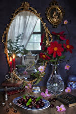Обои Натюрморт Черешня Свечи Зеркало Ваза Пища