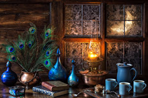 Обои Натюрморт Перья Керосиновая лампа Чашка Втроем Книга Ложка Окно