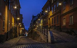 Картинка Швеция Стокгольм Дома Улица Ночные Уличные фонари Города