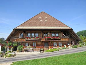 Фотография Швейцария Здания Деревянный Lutzelfluh Города