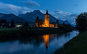 Фотографии Швейцария Дома Храмы Горы Речка Ночь Sils Города