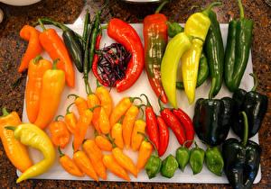 Фотографии Овощи Перец Разноцветные Продукты питания