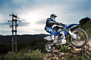 Картинки Yamaha Мотокросс Мотоциклист Шлема Униформе 2007-10 WR450F Мотоциклы