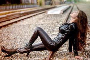 Обои Азиаты Железные дороги Шатенка Латекс Девушки